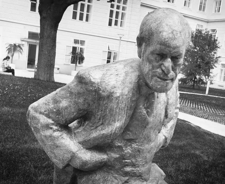 Standbeeld Sigmund Freud Wenen